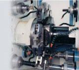 Станок укомплектован системой быстрого клещевого перезахвата детали